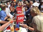 Die SPD zeigt Flagge beim Bürgerfrühstück